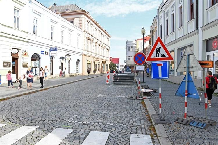 Oprava kanalizace omezí dopravu v centru Valašského Meziříčí