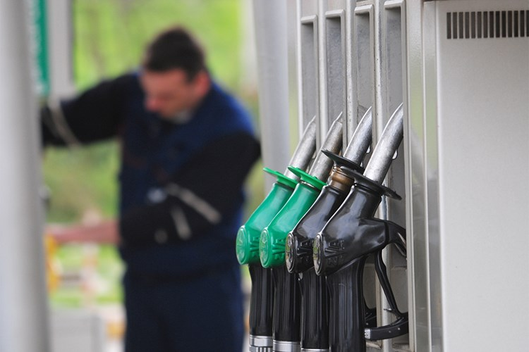 Kontrolám jakosti v loni nevyhovělo méně než 1 % vzorků paliv