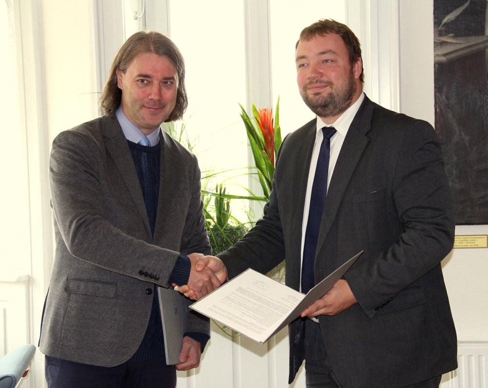 Slezská univerzita v Opavě podepsala memorandum s opavskou Hláskou.