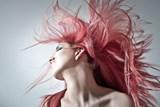 Za vypadáváním vlasů stojí nejen genetika ale i stres a nedostatek minerálů