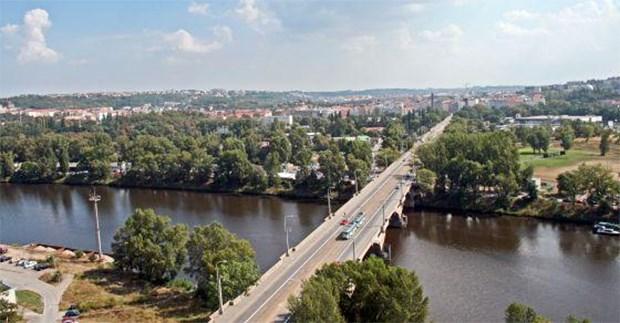 Popis: Libeňský most.