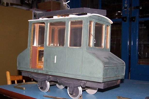 Popis: Historický model elektrické lokomotivy.