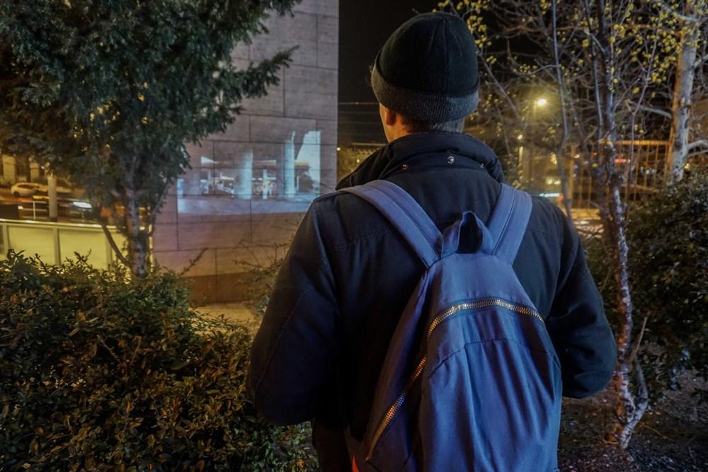 Projekce filmu Tinnitus, jednoho z vítězných filmů v roce 2019, ve veřejném prostoru.