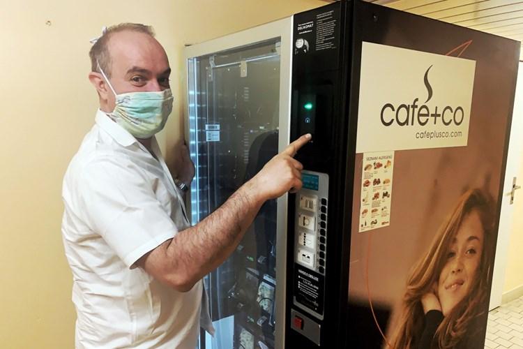 Kuchaři v Nemocnici Nový Jičín vaří v čase koronaviru i dětem zaměstnanců