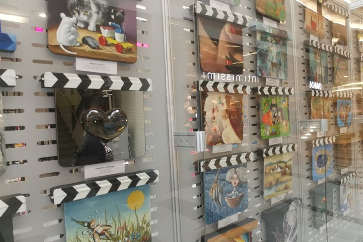 Filmové klapky jsou k vidění v brněnské Galerii Vaňkovka